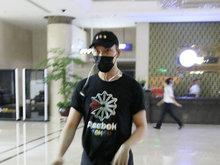 陈伟霆,长沙,机场,粉丝,围观,
