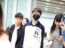 王俊凯,机场,回国,粉丝,接机,
