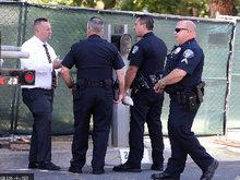 林肯公园主唱家中自杀身亡 警察媒体现身住宅外等候