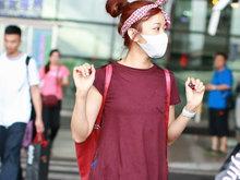 陈意涵抵京现身机场 绑发带露光洁脑门少女力max