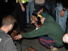 成熟了!比伯撞倒围堵记者未逃逸 还很配合警方的调查