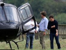 汤姆·克鲁斯乘坐直升机为新电影做准备