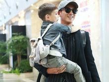 杜江带着儿子嗯哼出门 嗯哼看起来非常乖巧懂事