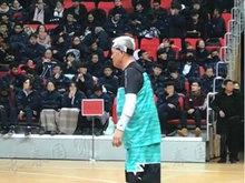 赵本山久违露面打篮球比赛 大叔真看不出已是61岁的老人