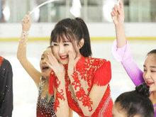 李菲儿是国内唯一受邀演员 滑冰实力令人刮目相看