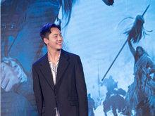 """《战神纪》发布会 陈伟霆笑出酒窝与林允现场""""互怼"""""""