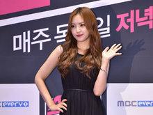 APINK,女团,韩国女团,APINK组合,人气偶像,优雅,小黑裙,