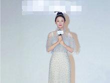 张雨绮穿白裙显身材好 眼神澄澈皮肤白皙仙气十足