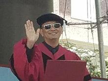 王家卫获哈佛文学荣誉博士 史上第一位亚洲导演