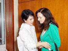 海清出席好友汤竹丽欢送晚宴 专程从南京赶回北京