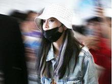 101女孩现身机场 杨超越U型枕口罩帽子全副武装