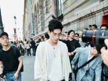 王子异巴黎时装周 展现多样面貌的百变时装boy