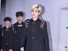 EXO,EXO照片,男团,韩国EXO,韩国男团,欧巴,帅气,全黑LOOK,