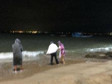 刘涛拍水下戏浑身湿透 全程暖心护小演员超敬业