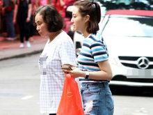 赌王三太与女儿何超云市场买菜 母女俩非常低调