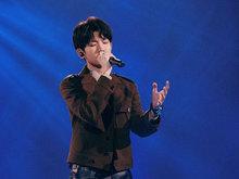 王源新年跨屏忙 新歌《我不知道》首唱获好评