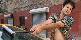 纽约的哥为慈善拍搞怪年历 画风太美