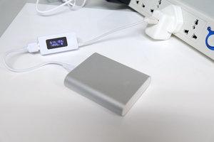 谁才是充放电之王?四款最火移动电源终极PK-充电实拍
