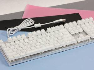 独特幻彩 雷柏V700RGB冰晶版机械键盘图赏
