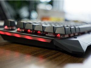 雷柏V750键盘图赏:高性价游戏键盘首选