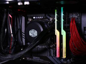 i7 9700K+RTX2080Ti 雷霆世纪Chaos 556游戏主机图赏