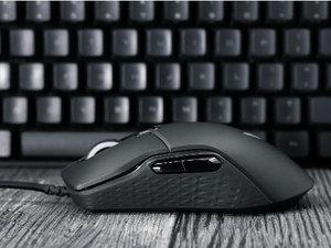 1600万RGB灯效 适合入门的雷柏VT200游戏鼠标