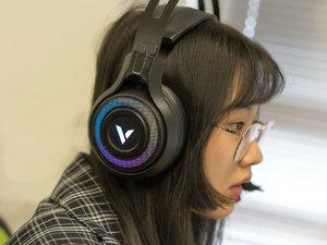 雷柏VH520虚拟7.1声道RGB游戏耳机图赏