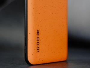 理念源于速度感 iQOO 3拉力橙手机图赏