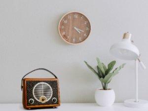 复古Hi-Fi妙韵 惠威Classical M4R蓝牙FM收音机有源音箱