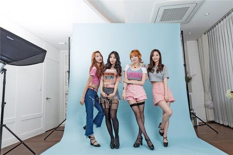 人气女子组合Dal shabet时尚写真 修长美腿媲美模特3