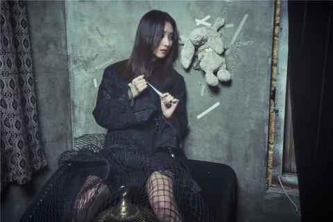 美少女天团Dreamcatcher时尚复古写真11