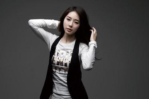 刘仁娜最新写真 气质果然不一般 彰显女神范!6