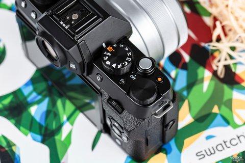 三向翻折时尚一拍 富士X-T100时尚无反相机图赏6