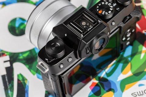 三向翻折时尚一拍 富士X-T100时尚无反相机图赏7