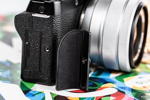三向翻折时尚一拍 富士X-T100时尚无反相机图赏16