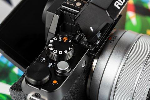 三向翻折时尚一拍 富士X-T100时尚无反相机图赏21