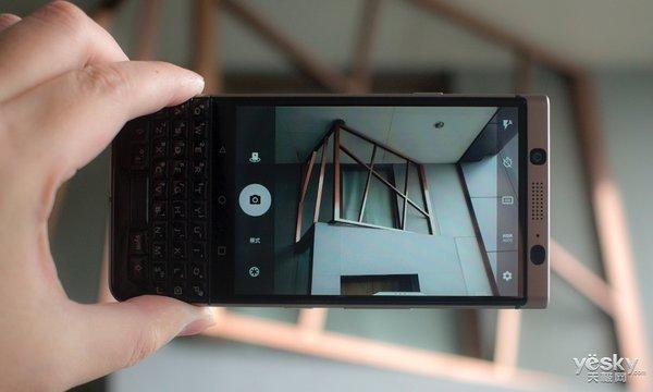 新商务精英的时尚之选 BlackBerry KEYone精英版图赏