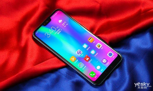 会变色的潮品科技美学 荣耀10手机多角度赏析