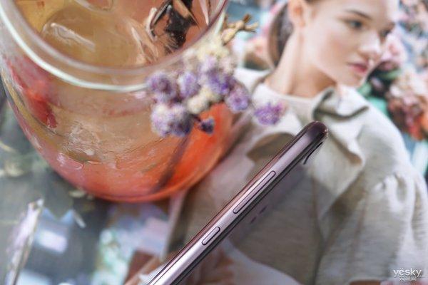 精心雕琢的镜面设计 荣耀9i梦幻紫图赏