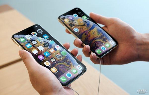 iPhoneXs/XsMax深圳直营店现场图赏