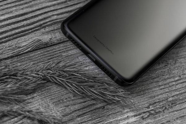 最深邃的墨岩黑 一加6T新品图赏