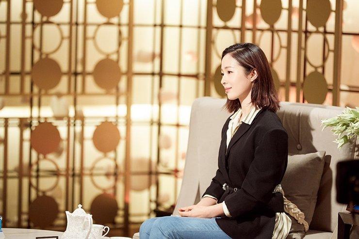 江一燕《朗读者》致敬恩师:感谢她给予勇气