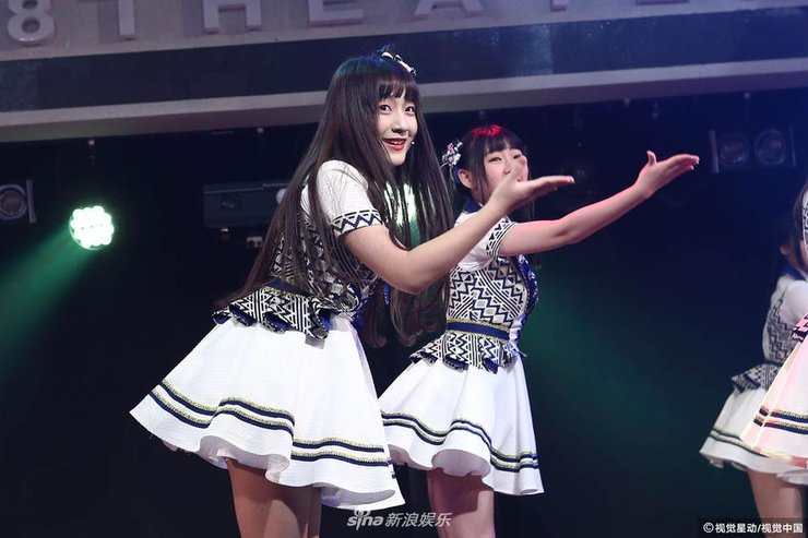 BEJ48成军一周年献舞秀美腿 又唱又跳不忘卖萌