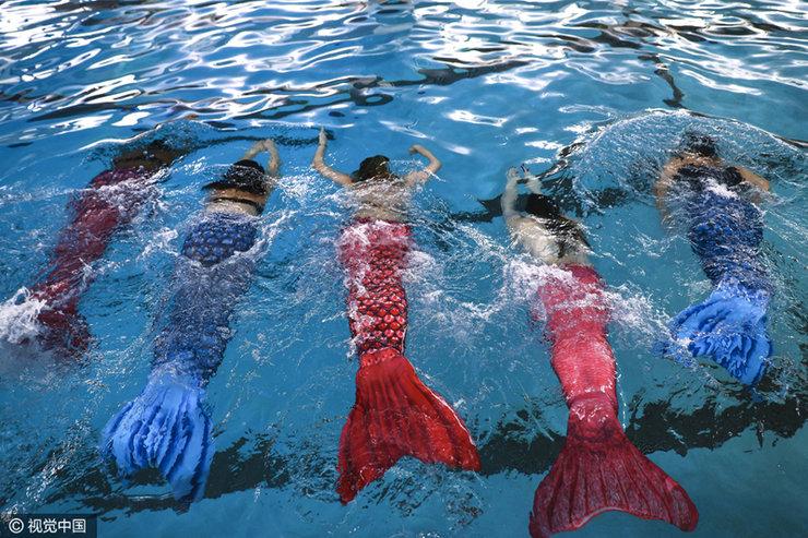 美游泳学校圆公主梦 打造真人版美人鱼