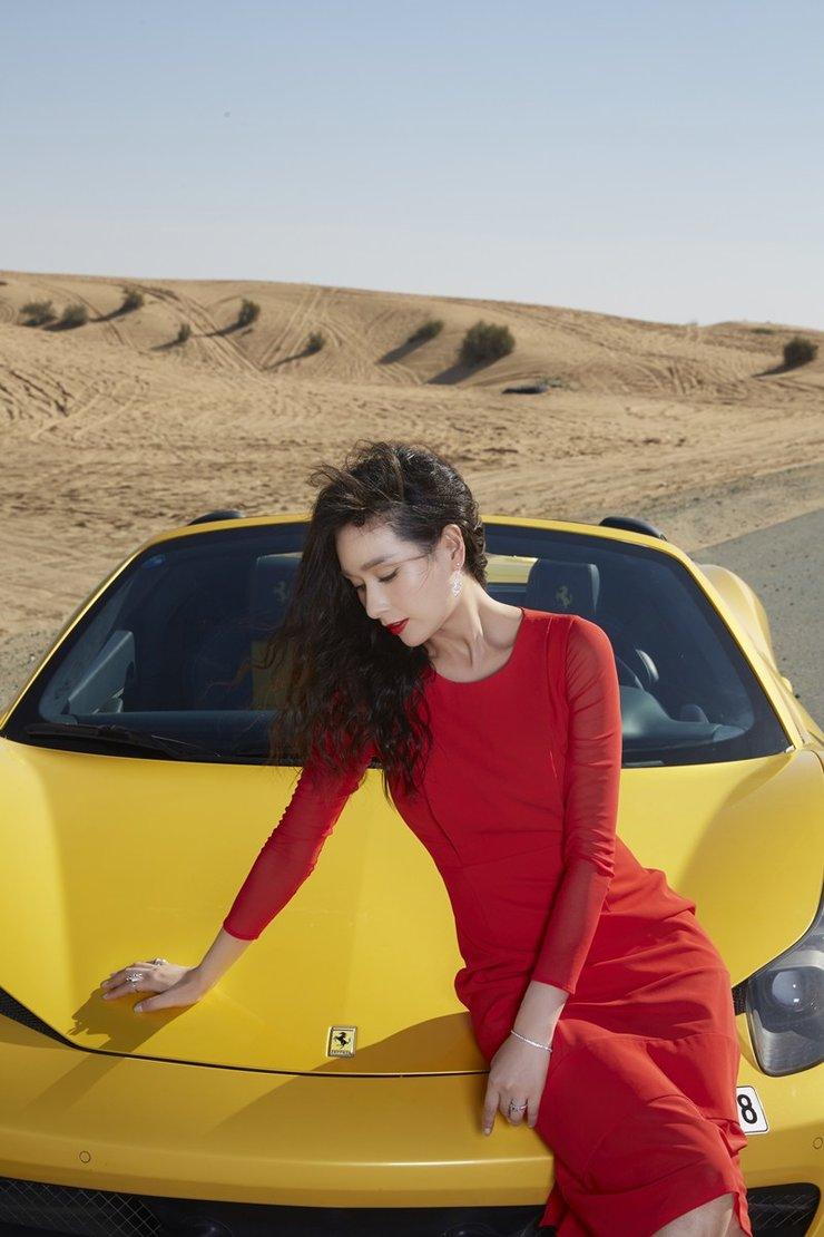 杨恭如沙漠倾情演绎香车美人的传说