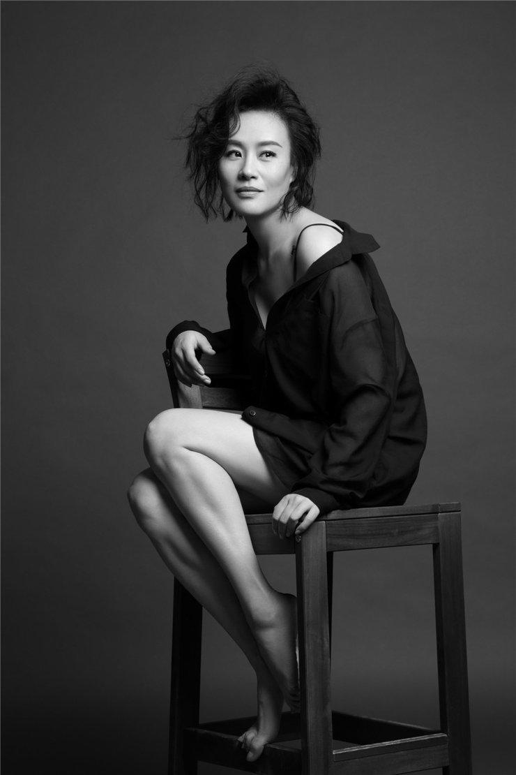 国际影星邬君梅知性写真曝光,尽显女王范