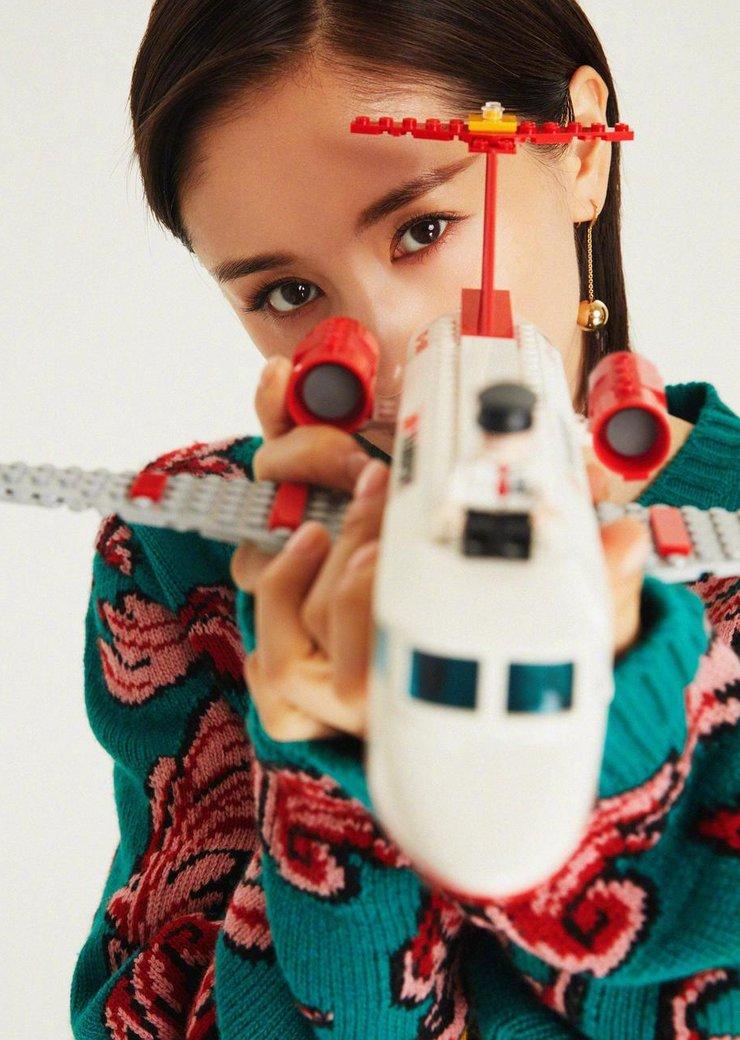 王子文最新杂志写真 诠释混搭风似古灵精怪少女