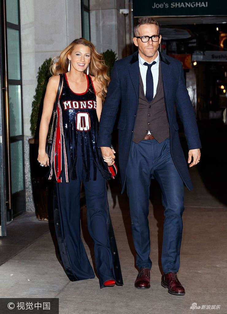 布莱克・莱弗利篮球裙抢镜 与老公