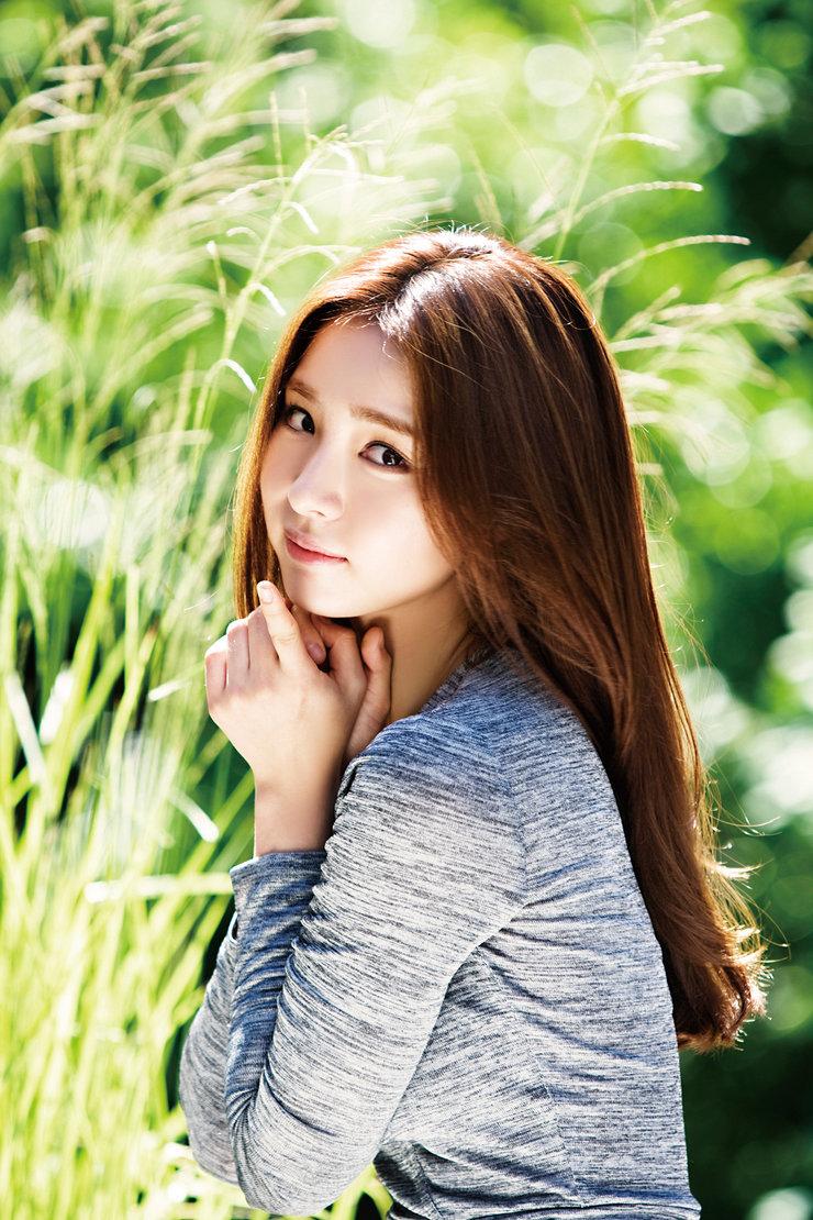 申世景最新写真美翻 果然是自然派气质女神!