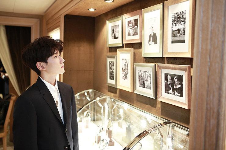 王源出席巴塞尔钟表珠宝展 流畅英文发言获赞无数